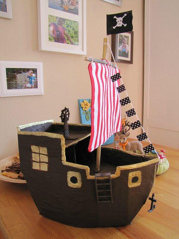 25 best ideas about bateau pirate on pinterest grands - Fabriquer un voile d ombrage ...