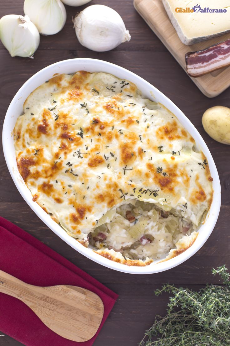 Con l'arrivo dell' #autunno ci si coccola di più con il #pasticcio di #patate e #pancetta! #ricetta #GialloZafferano #italianfood #italianrecipe