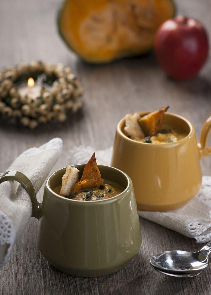 Baked squash and apple soup - crema di zucca caramellata alle mele.  Ricetta statunitense  A Tavola. Dicembre 2013