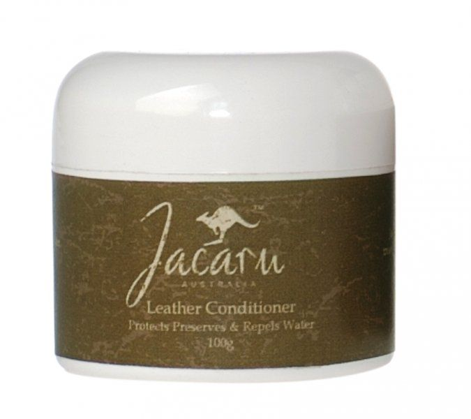 6705 Leather Conditioner by Jacaru. Ideal for leather hats, jackets and shoes.