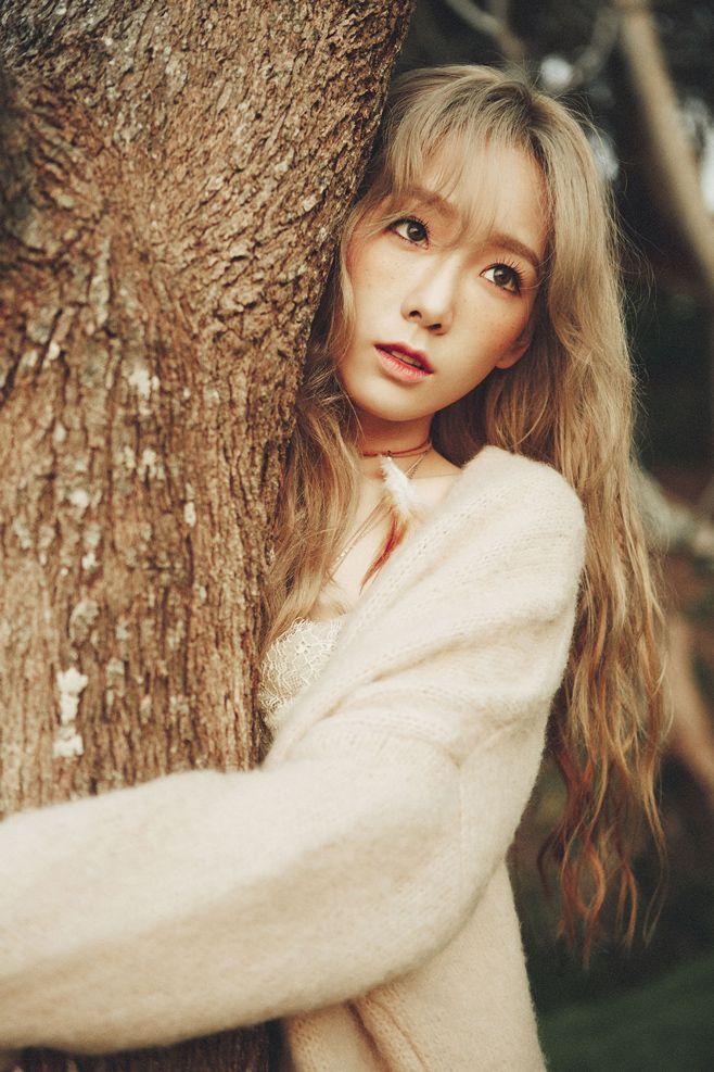"twenty2 blog: Girls' Generation's Taeyeon's ""I"" 1st Mini Album Photo Shoot | Fashion and Beauty"