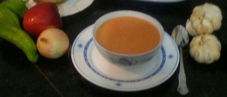 Hola! Hoy prepararemos una sopa fria ,gazpacho en esta ocasión será con tomate, pero se puede hacer con remolacha, calabacin, etc.. TRUCO si se le repite el gazpacho triturar una manzana con los ingredientes 1 KL de tomates maduros 1 trozo de pimiento verde 1 trozo de cebolla 1 ajo 1 trozo de pepino 60 …