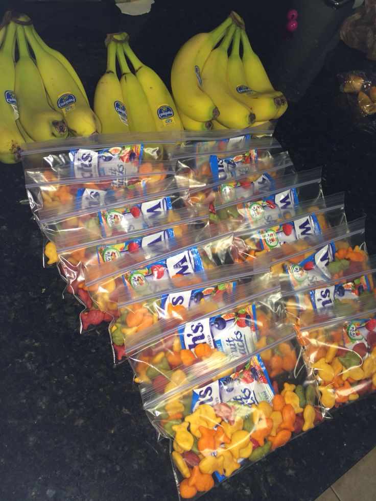 Cheer snack bags for game day! #teammom