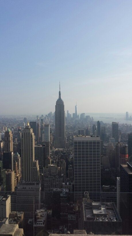 What a sexy skyline view! #newyork #rockefeller #topoftherock #nyc #empirestate