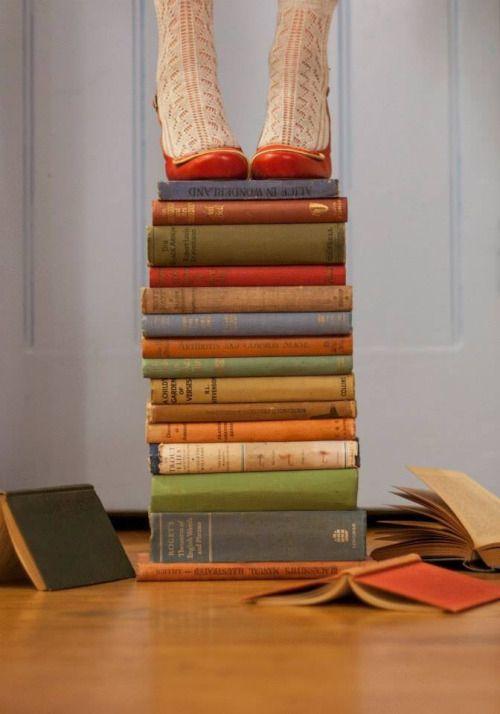 everydaygirl-onemoretime: Books enrich my life….