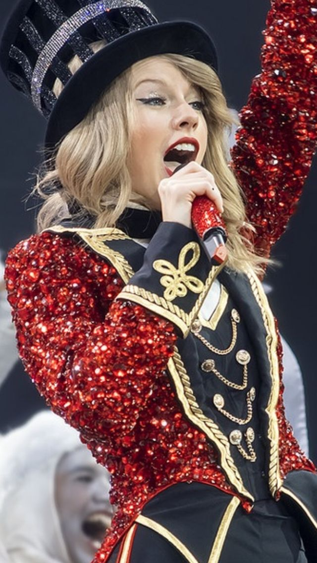 Taylor Swift - Red Tour London 2014