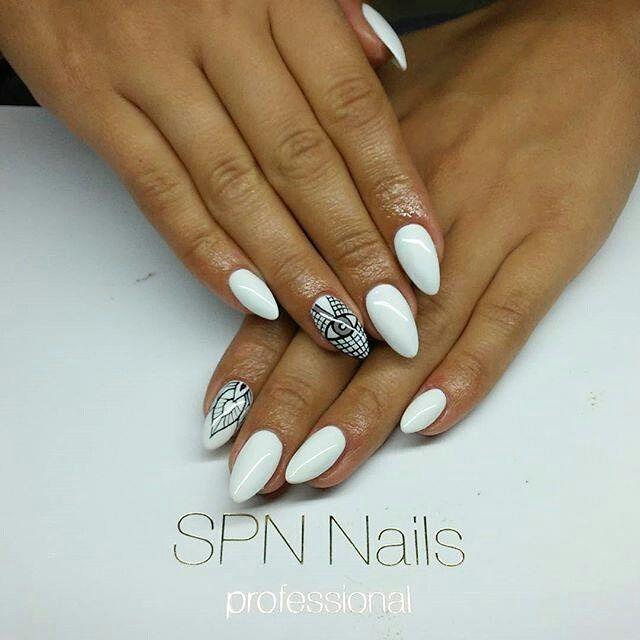 Mamy Was na oku  SPN Nails 502 My Wedding Dress oraz bezkonkurencyjny Black Devil Paint Gel. Nails Alicja Koziołek @alicebeautynails #spnnails #UVLaQ #GelLaQ #uvgel #instanails #paznokcie #manicure #nails2inspire #nailswag #nailstagram #naildesign #nailart #nails