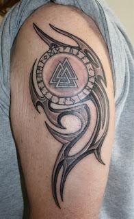 Valknut tattoo odin with us sweet tats pinterest for Valknut symbol tattoo