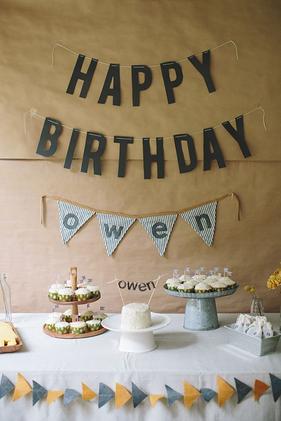 Simple, modern first birthday for Owen from Shannon Michele Photography | 100 Layer Cakelet
