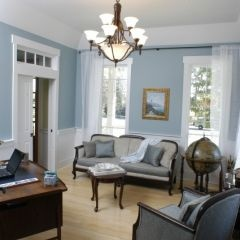 Contemporary colonial - nice use of Federal Blue