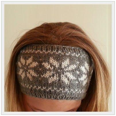 Av restegarn har jeg strikket et matchende pannebånd til ullgenseren til eldstesnuppa . Her er mønsteret:   Strikkefasthet på garn: 23 m= ...