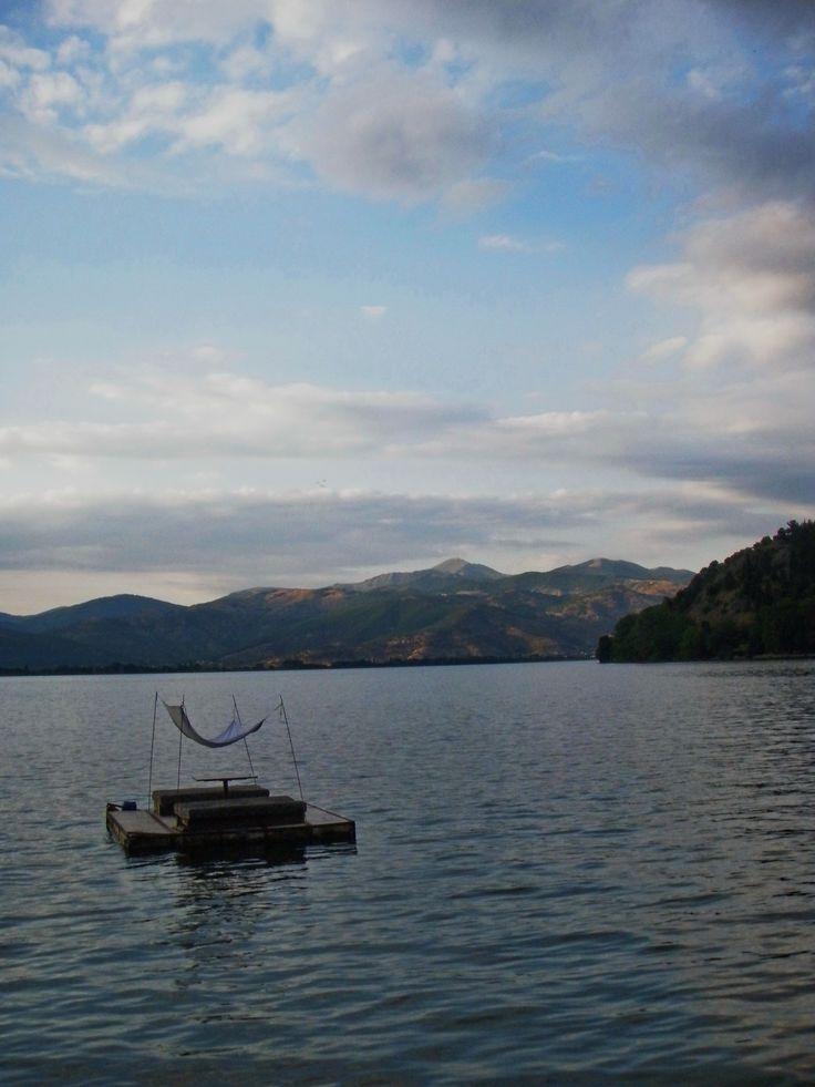 Ιδιοκατασκευή για τρελές βουτιές στα νερά της λίμνης! ~ Let's sail!