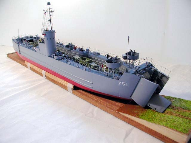 Deans Marine LSM 161 Landing Craft | scale models | Model ship building, Landing craft, Model ships