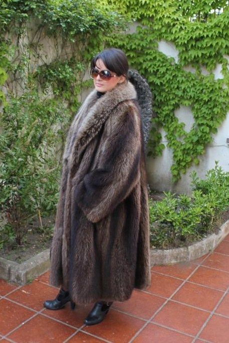 philippino girls in fur