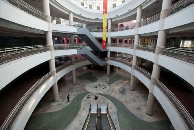 10 Construction Projects That Were Huge Wastes of Time and Money - New South China Mall: In 2005 the largest shopping mall in the world opened in the city of Dongguan. It's never had more than a dozen stores open at a time.