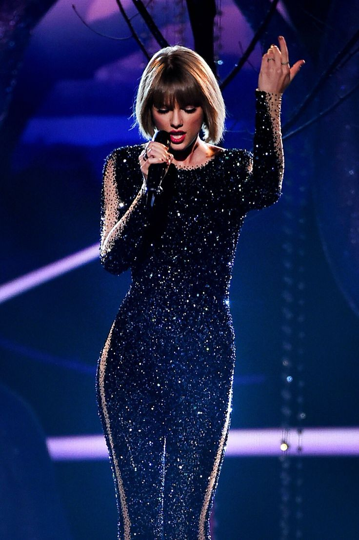 Taylor Swift performing Out of the Woods at the 58th Annual Grammy Music Awards on February 15