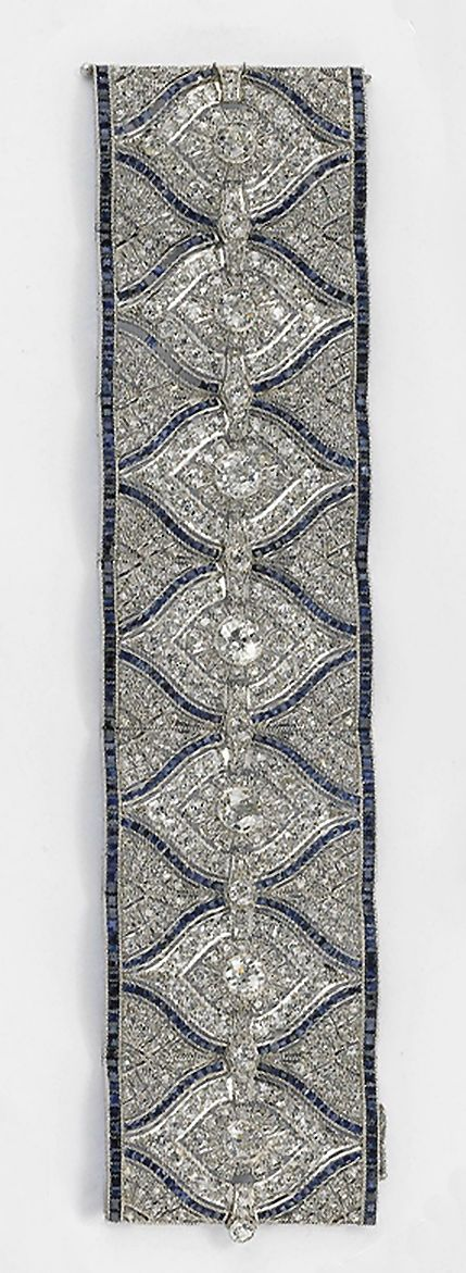 A DIAMOND AND SAPPHIRE BRACELET - Art Deco? Doesn't say but certainly looks like it could be.