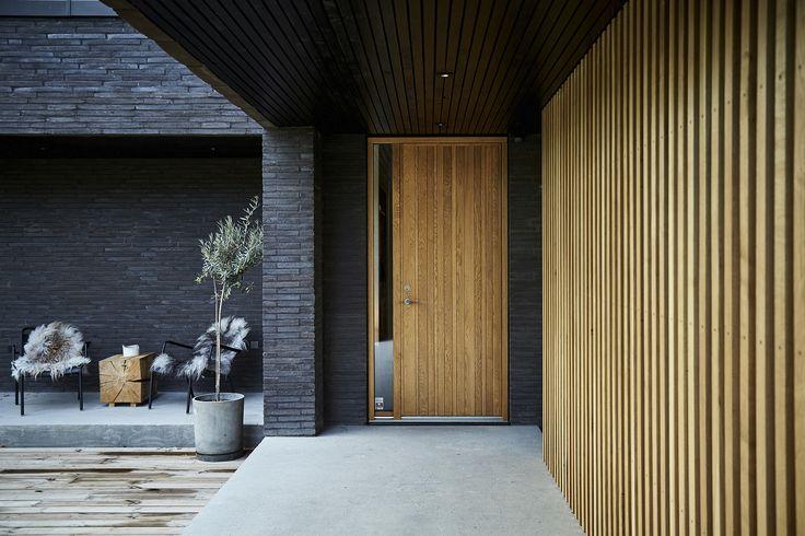 JeTrae Barcode entrance door in a Light Oak finish