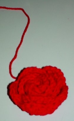 How to Crochet a Rose for Beginners ~~Crochet and Sewing ...