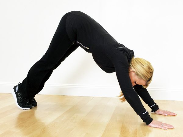 PLANK CRUNCH  Starting in push up (plank position), making sure to keep your body tight, abs pulled in (belly button into spine) and squeezing buttocks. Lift buttocks up toward ceiling using your stomach muscles. Pause, squeeze, and slowly return to plank position, making sure your body doesn't dip below parallel position.