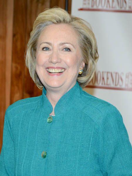 Im Interview mit tina verrät Hillary Clinton jetzt, wie sie heute über die Affäre ihres Mannes denkt und wie sie es schaffte, Ihre Ehe zu