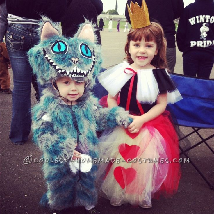 Coolest Tim Burton\u0027s Alice in Wonderland Kids Group Costumes