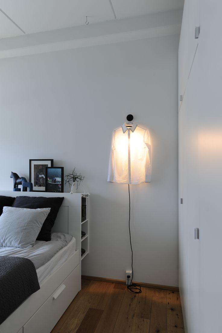 DIY shirt lamp. CPH apartment, 8-tallet. Foto: Images by Langfeldt