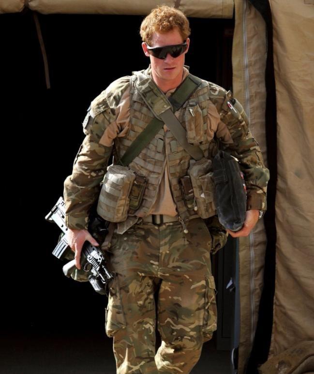 Prinz Harry 2012 in Afghanistan in Uniform