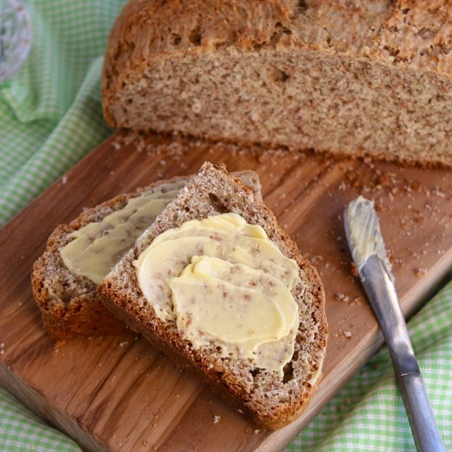 Peggy's Irish Brown Bread (use with whiskey butter recipe)