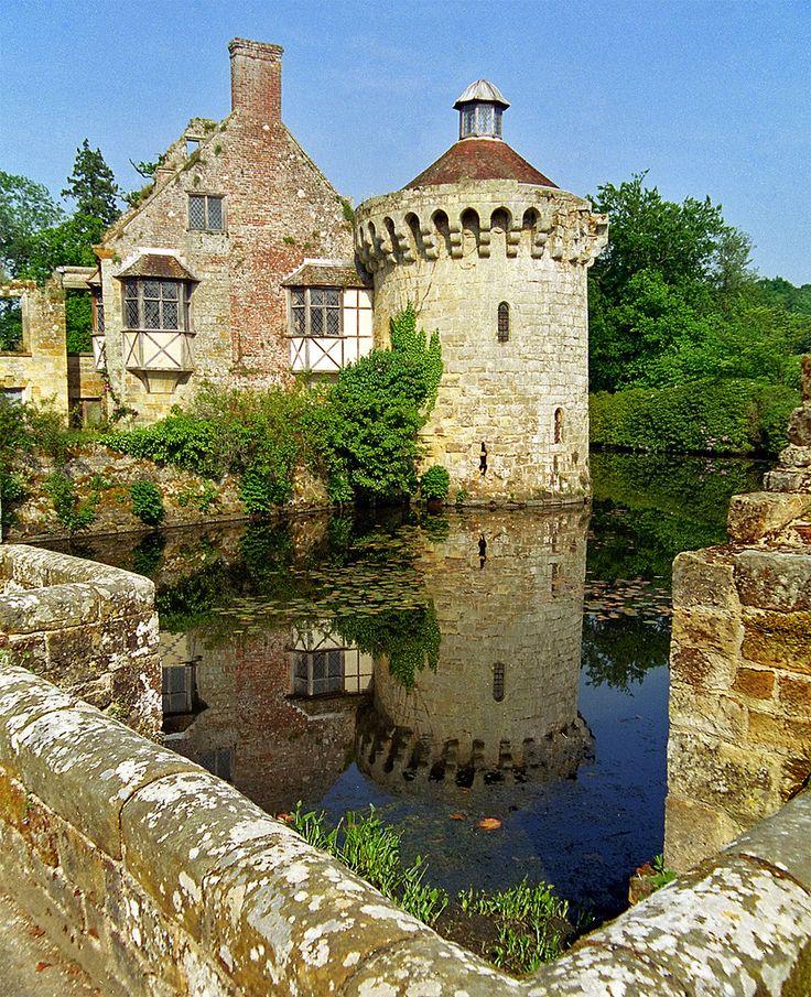 Scotney Castle in Lamberhurst, Kent (outside of Royal Tunbridge ...