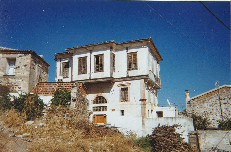 A mansion in the district of Hagia Triada, Moschonisi.