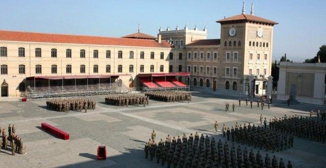 Denuncian a mandos de la Academia General Militar por interceptar el correo personal de los soldados