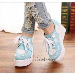 Sepatu Tali Love