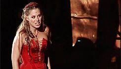 Szinetár Dóra as Júlia in Rómeó és Júlia (act 1)
