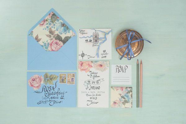 blue and pink floral stationery http://weddingwonderland.it/2015/04/la-dalia-bianca.html