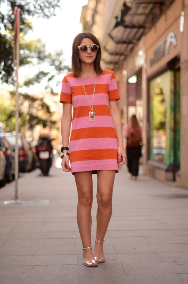 A perfect summer striped shift for a day of walking in the city.Forever 21, Bracelets, Street Style, Summer Stripes, The Cities, Fashion Mi Style, Ankle Strap Flats, Bags, Ankle Straps Flats