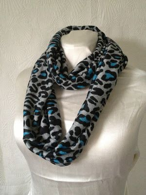 Tutorial: How to make infinity scarves! On the fabric mart blog