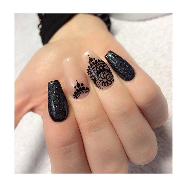 Ballerina infills for @staceexxoxo #henna #hennaart #handpainted #acrylicnails…