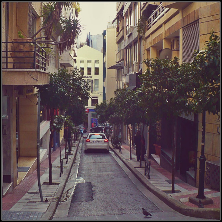 Xanthou St. is one the shortest and most picturesque streets in the commercial part of the Kolonaki quarter. (Walking Athens / Route 10, Kolonaki)