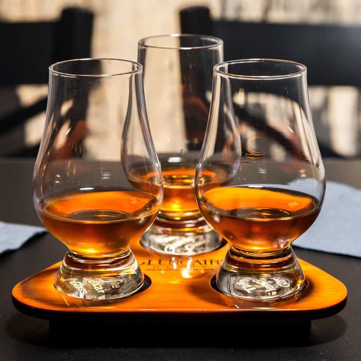 Glencairn Glass Tasting Set  Glasses with Tray #whiskey #glasses #wishlist #glencairn #giftideas #giftsforher #giftsfordad #giftsforgrads
