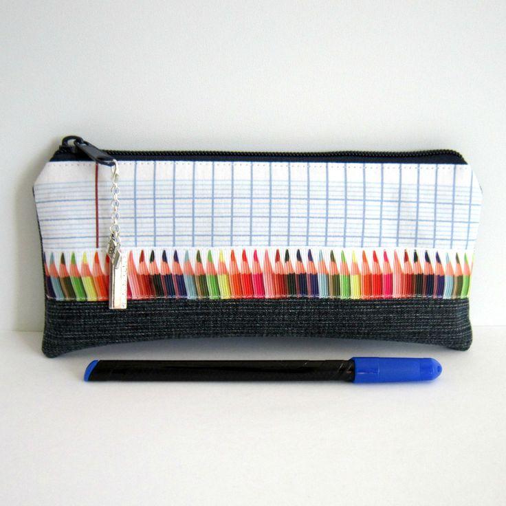 Trousse thème école, cadeau maître, maîtresse, ATSEM, crayons de couleur, jean's recyclé et coton cahier d'école : Trousses par melkikou-upcycling