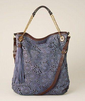 """BOLSO """" BIG BAG"""" O MAXI - BOLSO : El maxi-bolso se adapta a todos los estilos, con un lado práctico imposible de olvidar."""
