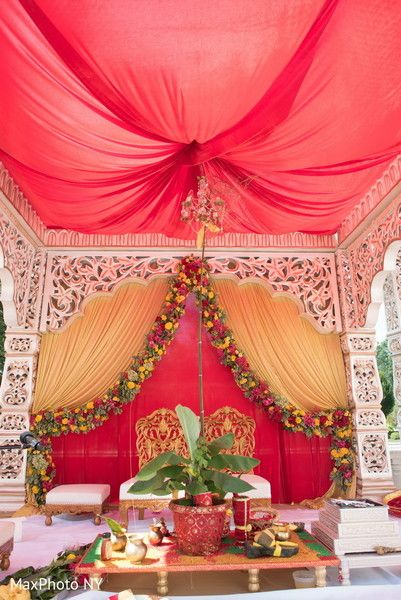 Mandap Decor http://www.maharaniweddings.com/gallery/photo/65195