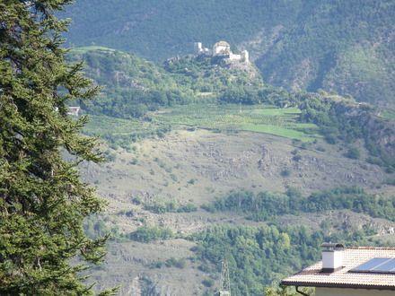 Ausblick auf Schloss Juval von Reinhold Messmer - Pension Baumgarten