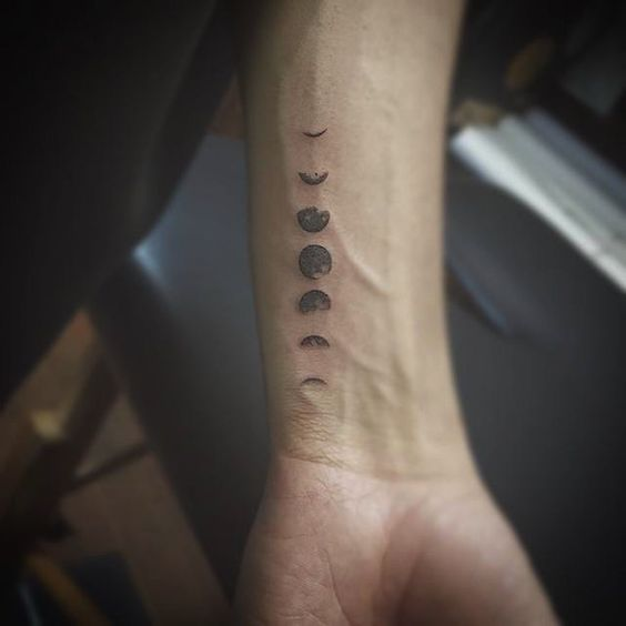 eclipse tatuajes para hombres