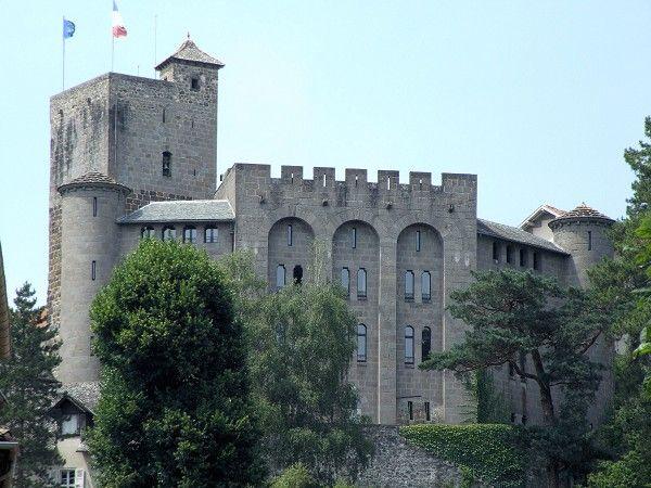 Aurillac - Château Saint-Etienne - Musée des Volcans