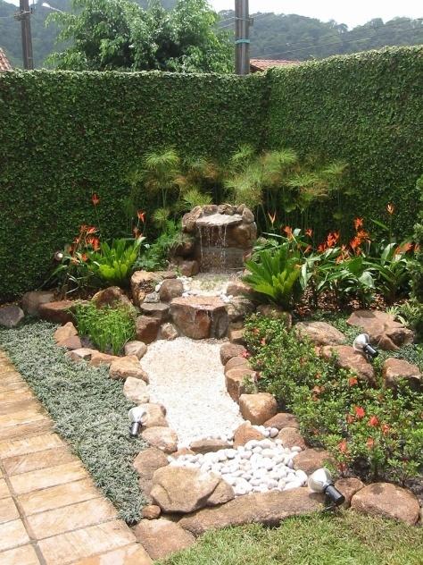 Fontes e cascatas de diversos tamanhos e estilos para decorar jardins e ambientes internos - Casa e Decoração - UOL Mulher