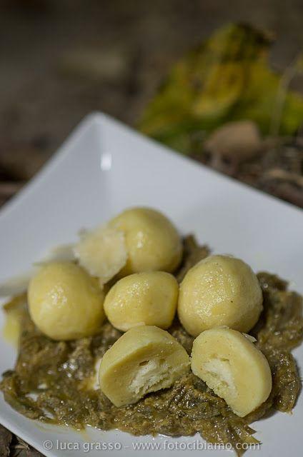 Gnocchi farcis à la mozzarella, sauce aux artichauts - Gnocchi ripieni di mozzarella con sugo di carciofi