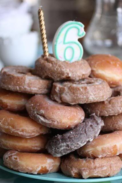 Krispy Kreme cake, Donut Cake, Donut birthday cake, Make a cake from donuts