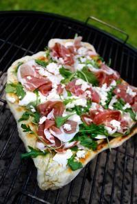DeLallo Italian Recipes | Grilled Pizza with Prosciutto, Arugula & Gorgonzola